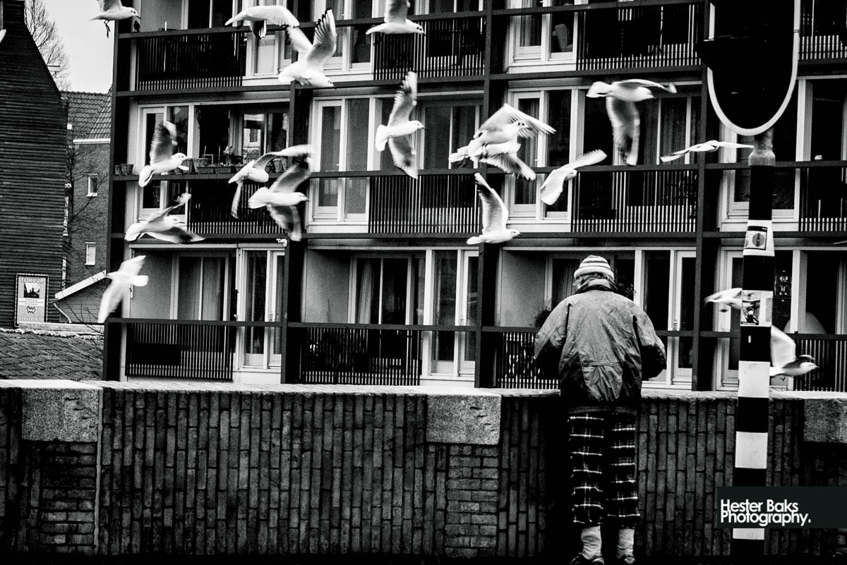 Black and white streetphotography in Amsterdam west Beltbrug